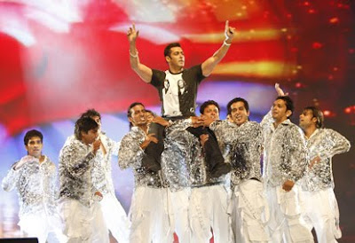Salman Khan at Dreamz 2009 Concert on UAE National Day