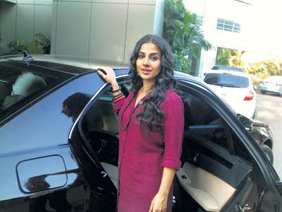 Vidya Balan and the car