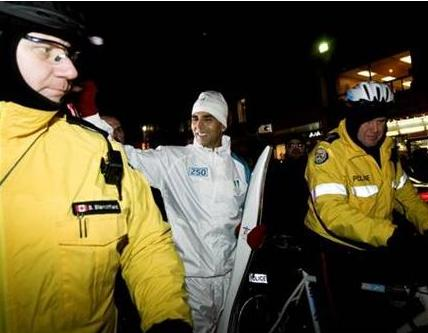 Akshay Kumar Carries the Olympic Flame in Toronto