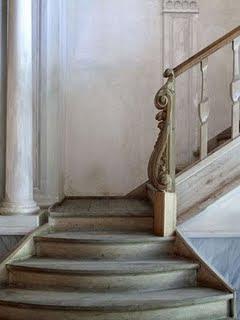 [staircase.jpg]