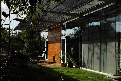 Exterior Minimalist House by Ron Wommack