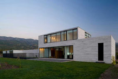 Modern House of Alvarez-Marshall House by Tidy Architects
