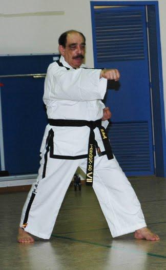 Δάσκαλος του taekwondo aναστάσιος κάκαλης