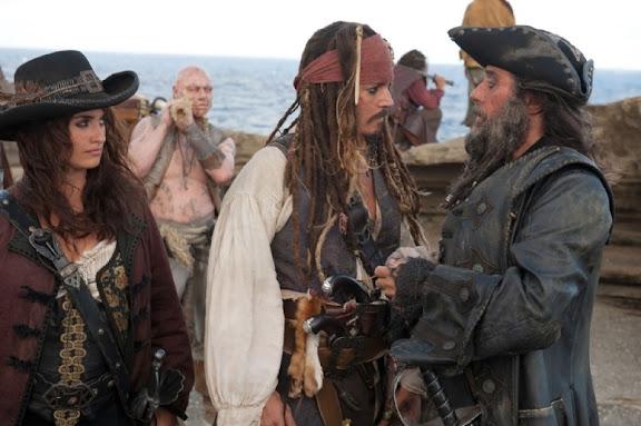 Johnny Depp y Penelope Cruz piratas del caribe 4 en mareas misteriosas