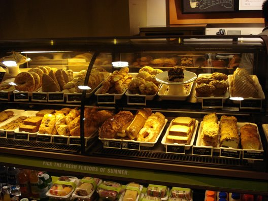 [2008_4_starbuckspastries.jpg]