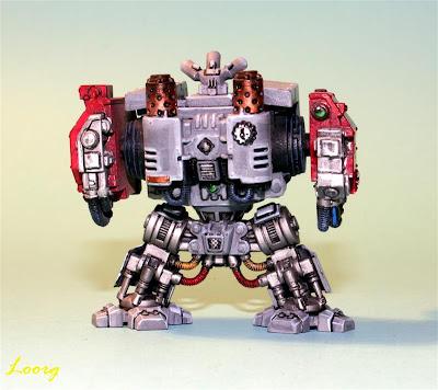 Dreadnought MKV de los Caballeros Grises por detrás