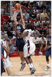 Kevin Love dunking at the USA Blue-White Scrimmage