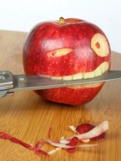 http://3.bp.blogspot.com/_aDlCyCSLpF0/SmL2M5tDKkI/AAAAAAAAAyM/RCmEjo0buFQ/s400/Funny_Apple.jpg