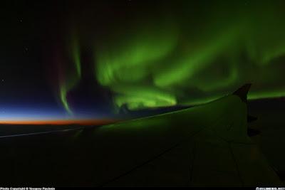 aurora boreal desde un avión