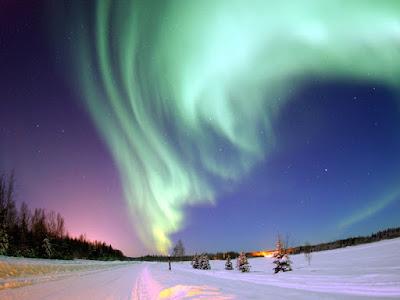 Aurora boreal sobre Alaska