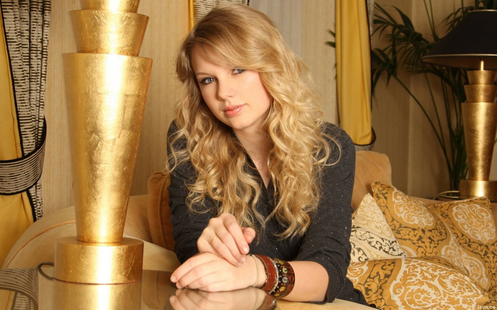 http://3.bp.blogspot.com/_aFE_uiSdmcU/SxNjFrO7IJI/AAAAAAAAASE/Om_WQXyEFeU/s1600/Taylor+Swift+(41).jpg