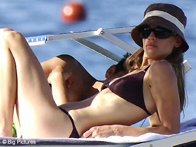 hilary swank hot. Baby#39; star Hilary Swank is