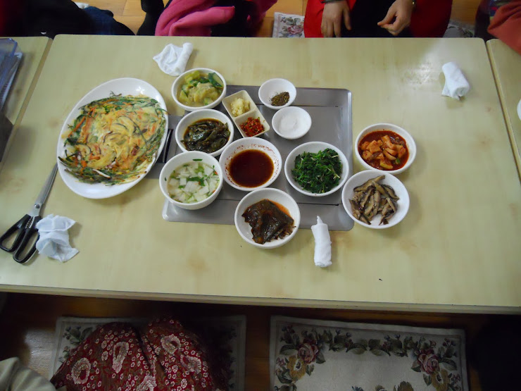 A typical Korean meal