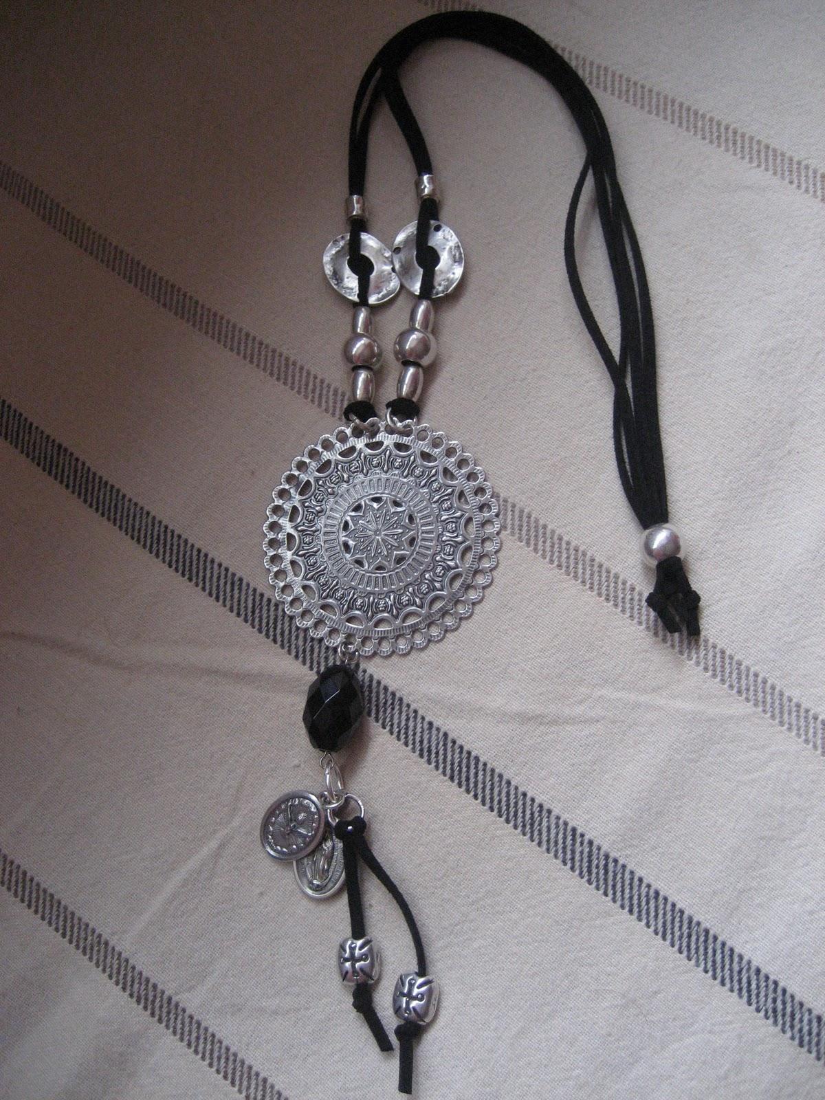 Collares cuero tattoo design bild - Collares de cuero ...