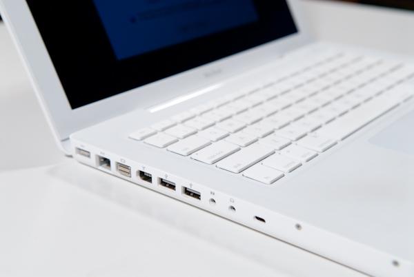 Как для обычного рабочего ноутбука macbook white обладает неплохими характеристиками