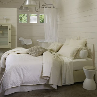 Daily imprint interviews on creative living aura 39 s for Tracie ellis bedding