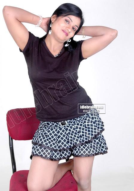 NEW HOT South SEX BOMB Actress Divya Spicy Hot Photoshoot