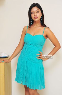 Tamil Hot Actress Harika (PAYAL GOSH) Pics