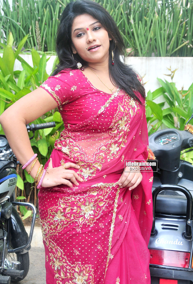 New Background and Wallpapers Pictures: TELUGU ACTRESS JYOTHI Pics ...