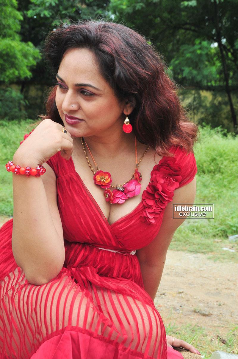 HOT INDIAN ACTRESS BLOG: New TELUGU Actress SHAILU Hot ...