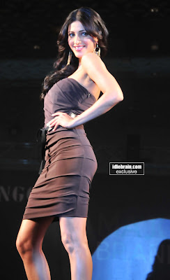 Actress SHRUTHI HASSAN Hot Pictures On the Ramp