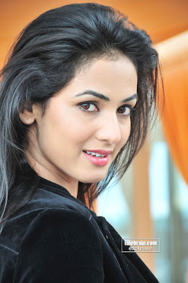 Hot MASALA ACTRESS SONAL CHAUHAN Sexy Photoshoot Pictures