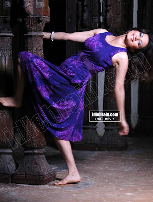 Actress DESI Hot Model GOWRI PANDIT Sexy Photoshoot Pictures