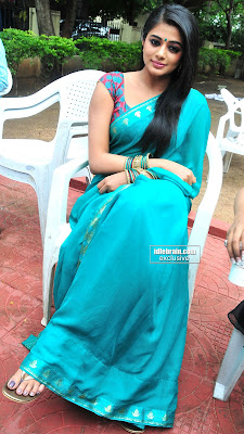 Actress PRIYAMANI HOT Photos in Sexy Blue Saree