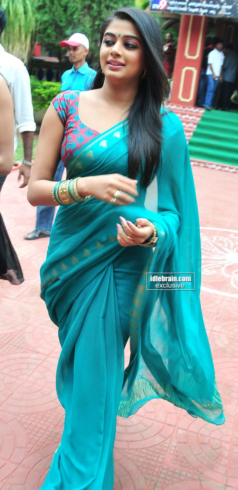 South Actress Hot Priyamani S In Sey Saree