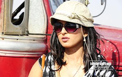 Actress ANUSHKA SHETTY HOT Masala Photos From Latest Telugu Movie