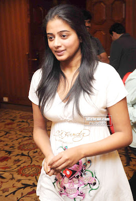 Talented Tamil Heroine PRIYAMANI Photos From an Event