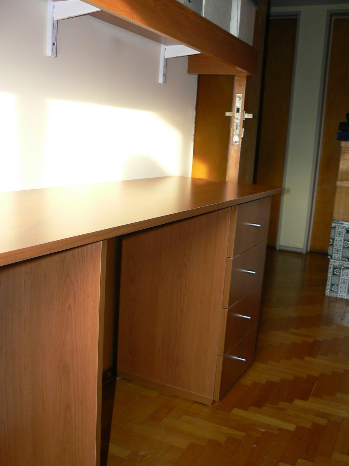 Zavasmuebles carpinteria de dise o escritorio en melamina con cajonera - Cubre escritorio ...