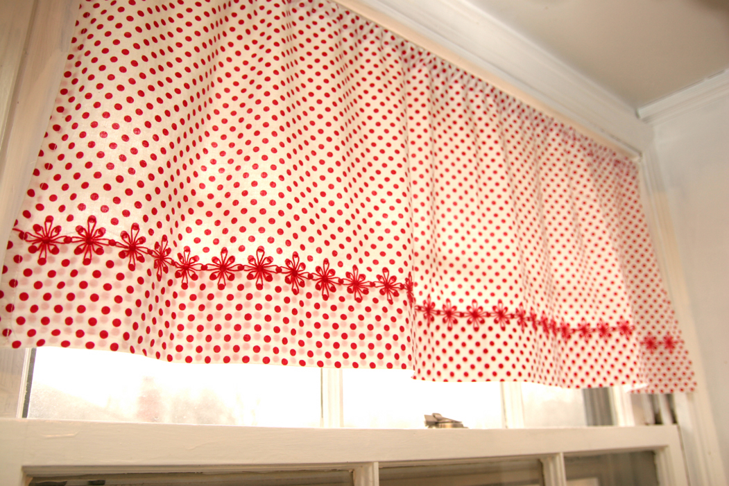 nice Making Kitchen Curtains Part - 11: Since my sheet curtains were such a popular post (many friends have ended  up making them for their own homes!), Iu0027ve decided to post about my kitchen  ...