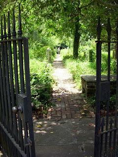 Charleston Gateway Walk - St. Philips Cemetery