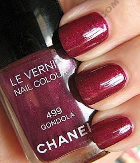 http://3.bp.blogspot.com/_aNyF9Agb62o/Ssy8YhtCwPI/AAAAAAAAG9w/FjSi_s-uTm4/s320/chanel+nails.jpg