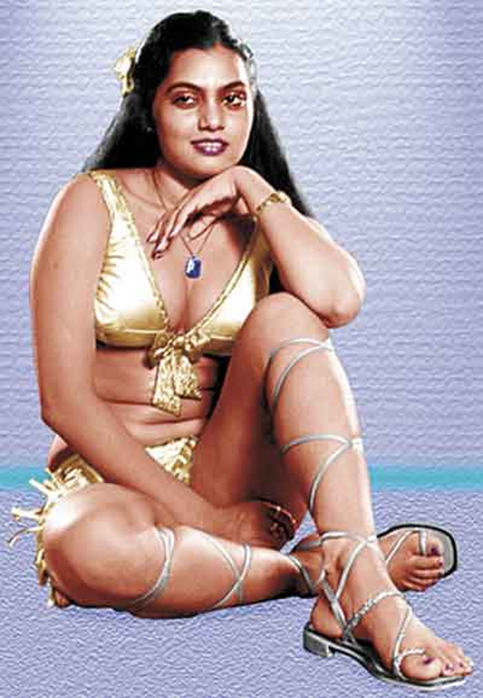 silk smitha classic hot picture gallery