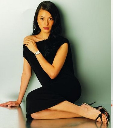 Carmen Soo Wai Mun in Hot Bikini