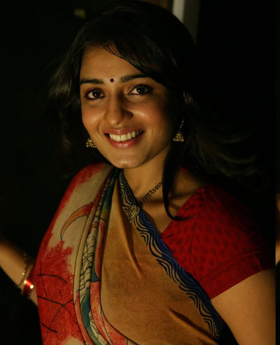 nikitha saree from saroja