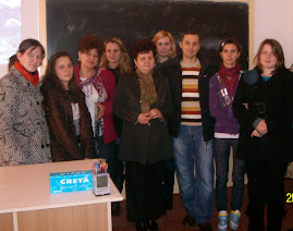 Fotografie de grup: Profesori şi elevi participanţi la concursul de prezentări power point