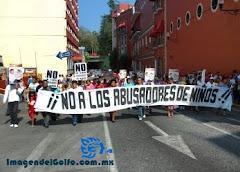 Marcha en Xalapa contra MAYL y pederastia