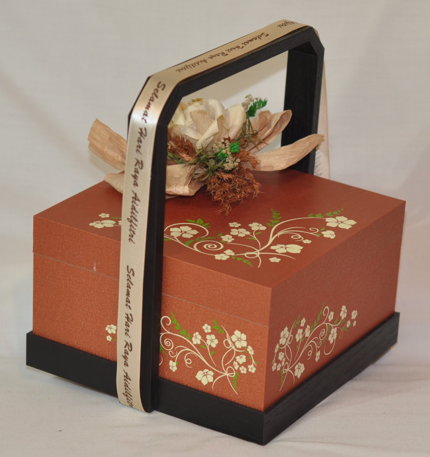 Mangkuk Tingkat in English Mangkuk Tingkat Decorated