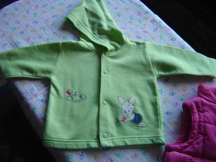 casaco verde 3eur, 6 meses