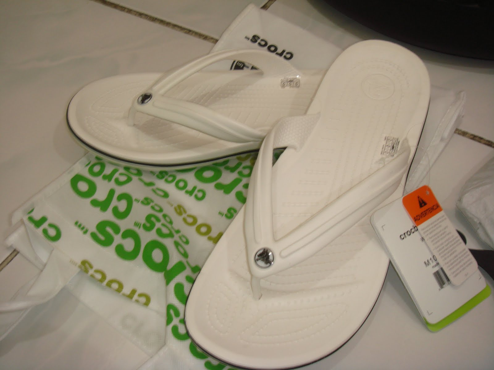 fa5396922d3 Selling Crocs stuff n etc  CROCS CROCBAND FLIP WHITE