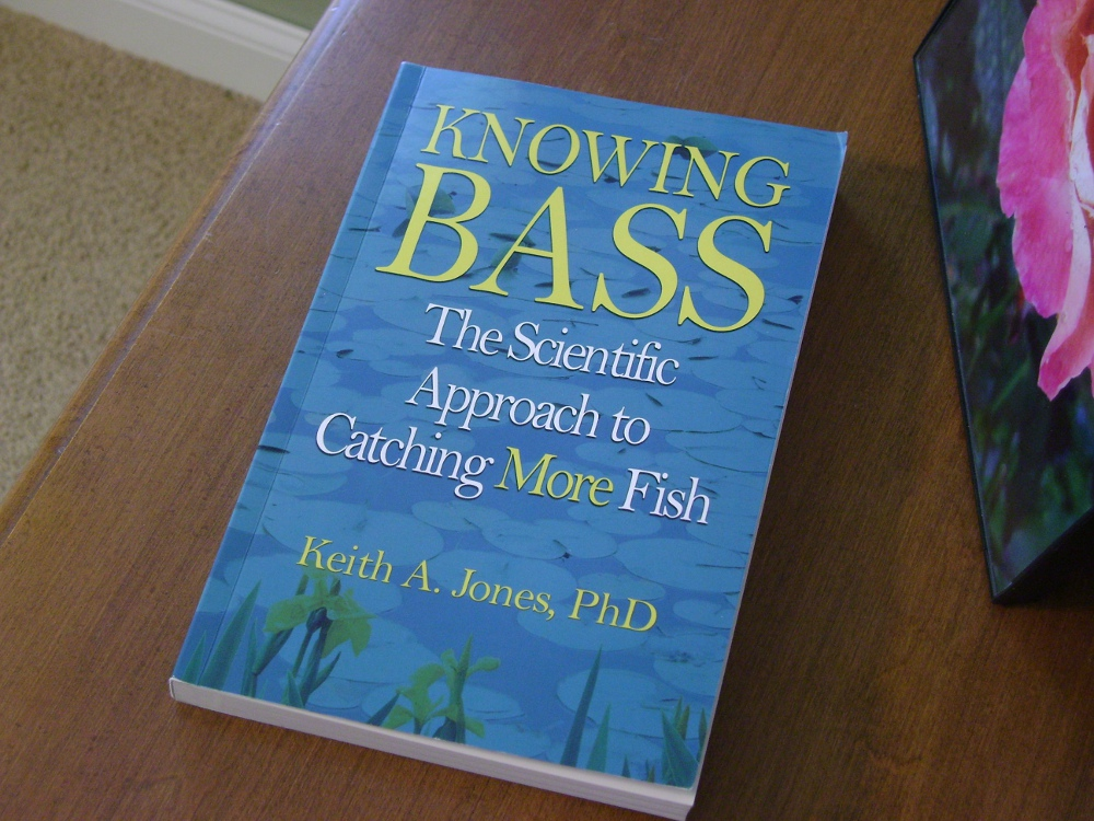 Lunker hunt book review knowing bass the scientific approach to dr jones works at the berkley fish research center berkley not berkeley and this book is based on research he has performed on the job and in school fandeluxe Choice Image