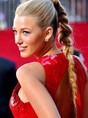 Blake Lively sports a two foot