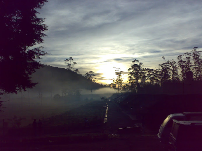 Matahari terbit di RANCA UPAS