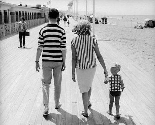 [vintage-family-photo.jpg]