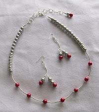 Cod col 2252 collar de perlas en tonos gris y rojos
