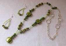 Cod 1521 - 1 Collar de cristales y serpentine verde S/ 35.00 Nuevos Soles