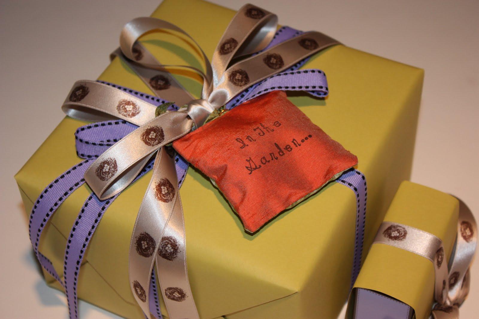 Как красиво оформлять подарки 740